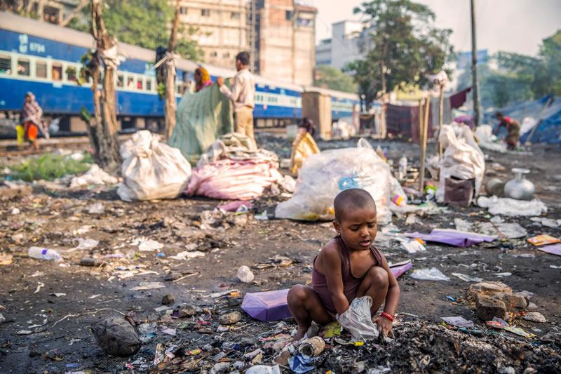 Guwahati ist mit 2 Mio. Einwohnern die größte Stadt Nordostindiens – die Einwohnerzahl wächst stetig und mit ihr die Zahl der Kinder in den Slums und auf der Straße.