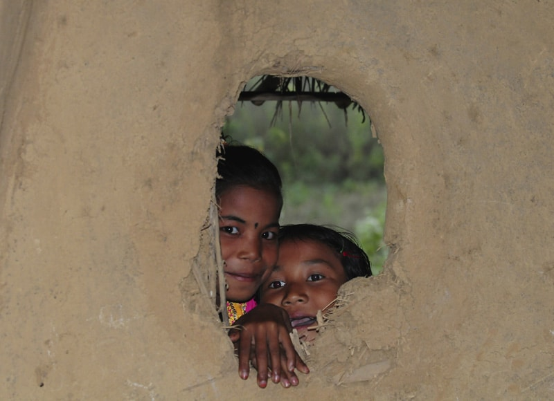 Die Erwachsenen sind Analphabeten, auch für die Kinder findet Schule häufig nicht statt.