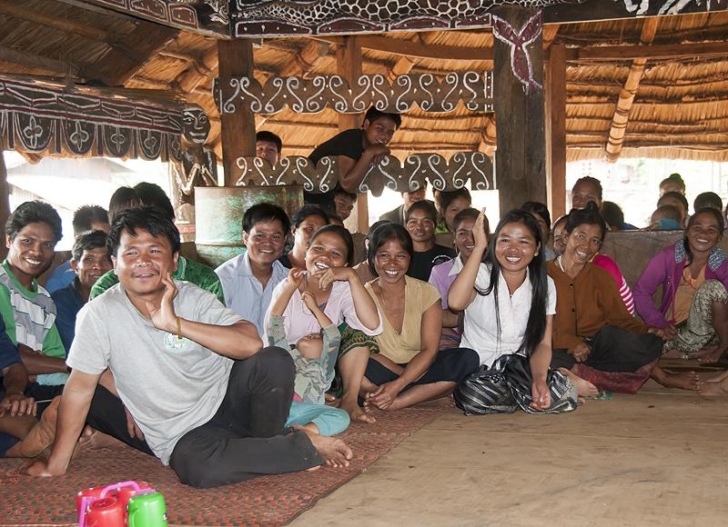 Im Projekt werden die Dorfgemeinschaften intensiv eingebunden. Im nächsten Schritt beraten wir nun, wie wir auch die Ausbildung der Laotischen Jugend unterstützen können.