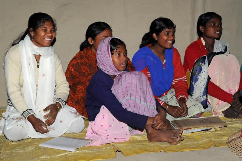 Insbesondere die jungen Frauen sind deswegen hoch motiviert zu lernen.