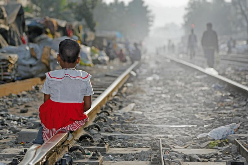 Millionen Kinder weltweit leben immer noch in menschenunwürdigen Umständen. Sie leiden unter vermeidbaren Krankheiten. Sie haben keine Zukunft, nur weil sie am falschen Ort geboren wurden.