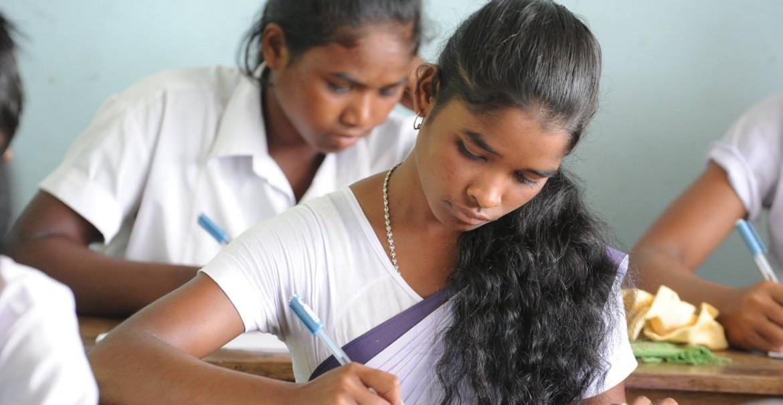 CARE-Flüchtlingsschulen-Amguri-Matric-Examen