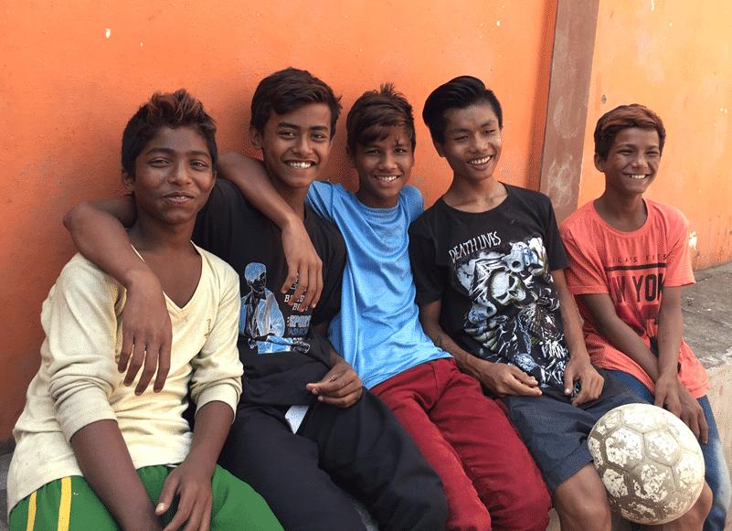 Rakesh, 2.von links und Novojit 3. von links im November 2016
