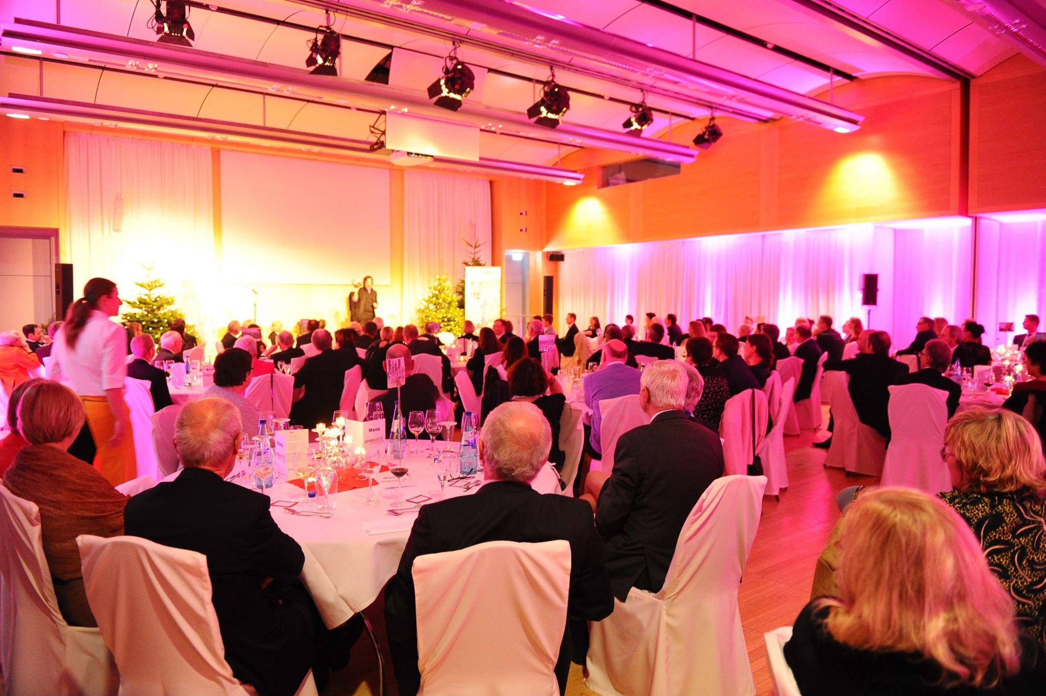 Saal_Gäste_Rückansicht_klein