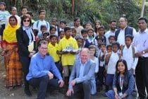 Dr. Gerd Müller besucht Kinderrechtsprojekt